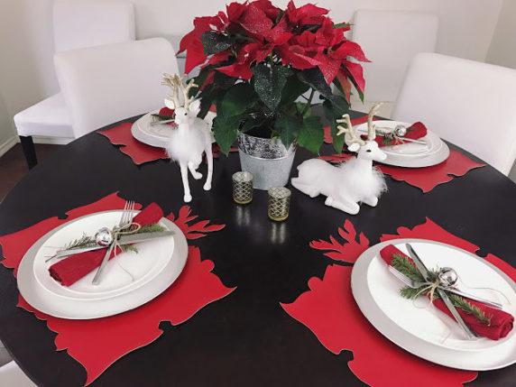 Сервировка стола в красных оттенках