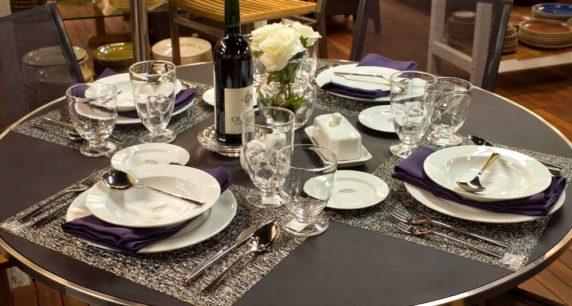 Сервировка стола на 23 февраля