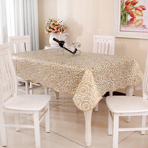 Классическая скатерть для сервировки стола