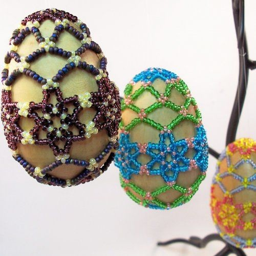 Яйцо на Пасху из бисера своими руками