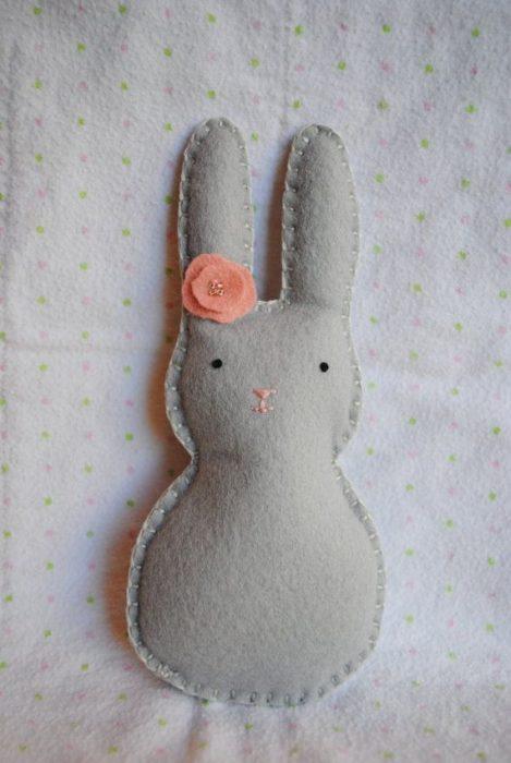 Заяц на Пасху своими руками из фетра