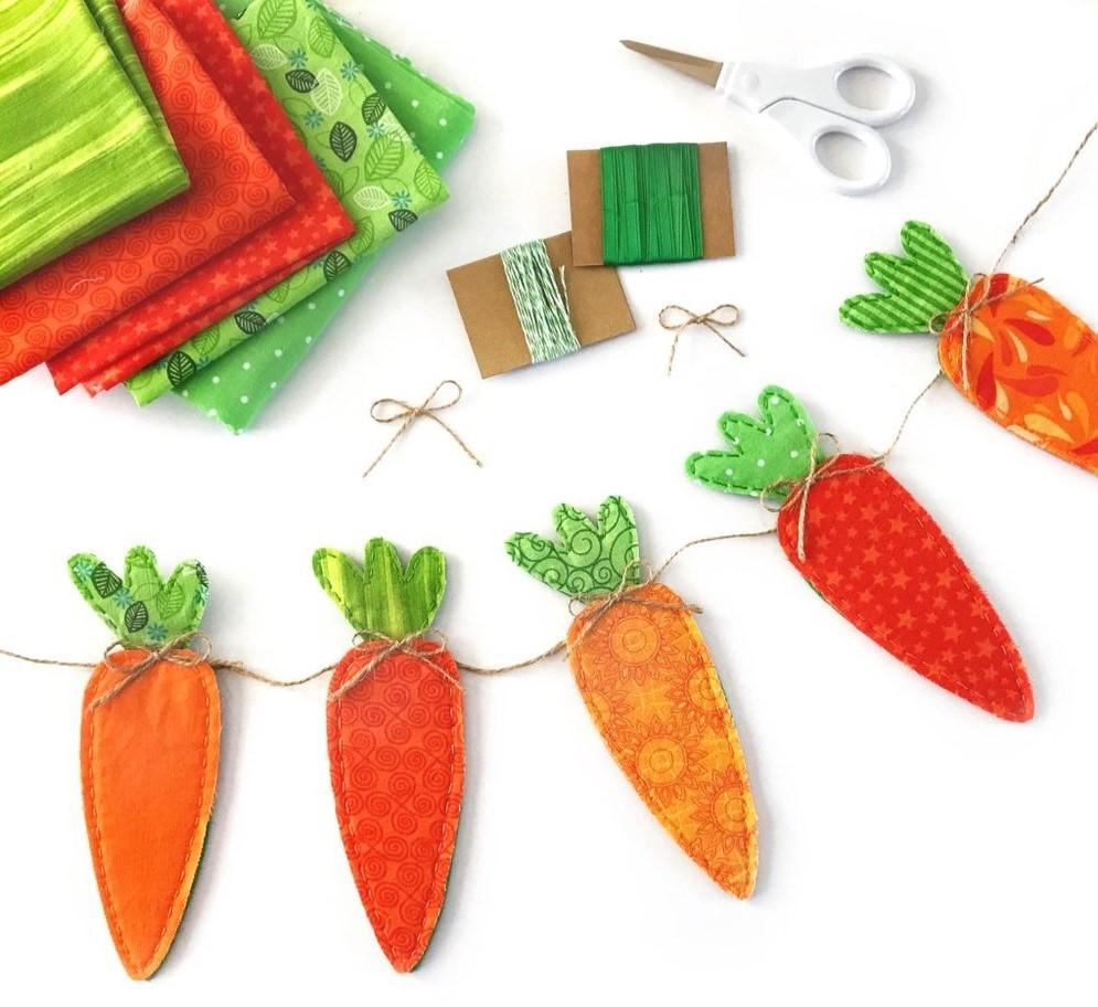 Гирлянда на Пасху из тканевых морковок
