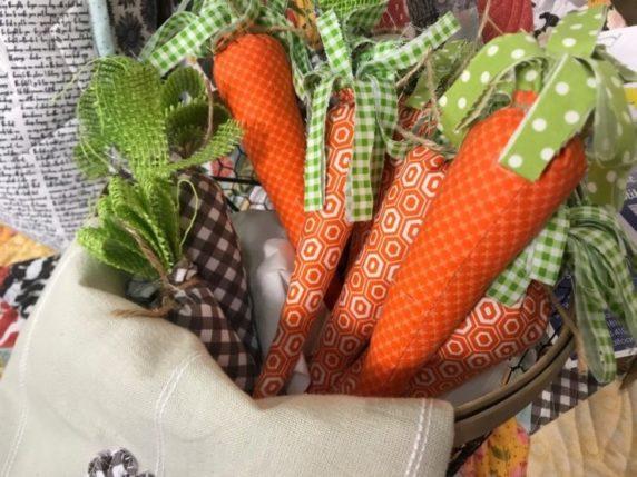 Пасхальная тканевая морковка