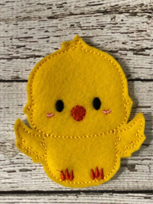 Простой фетровый цыпленок на Пасху своими руками