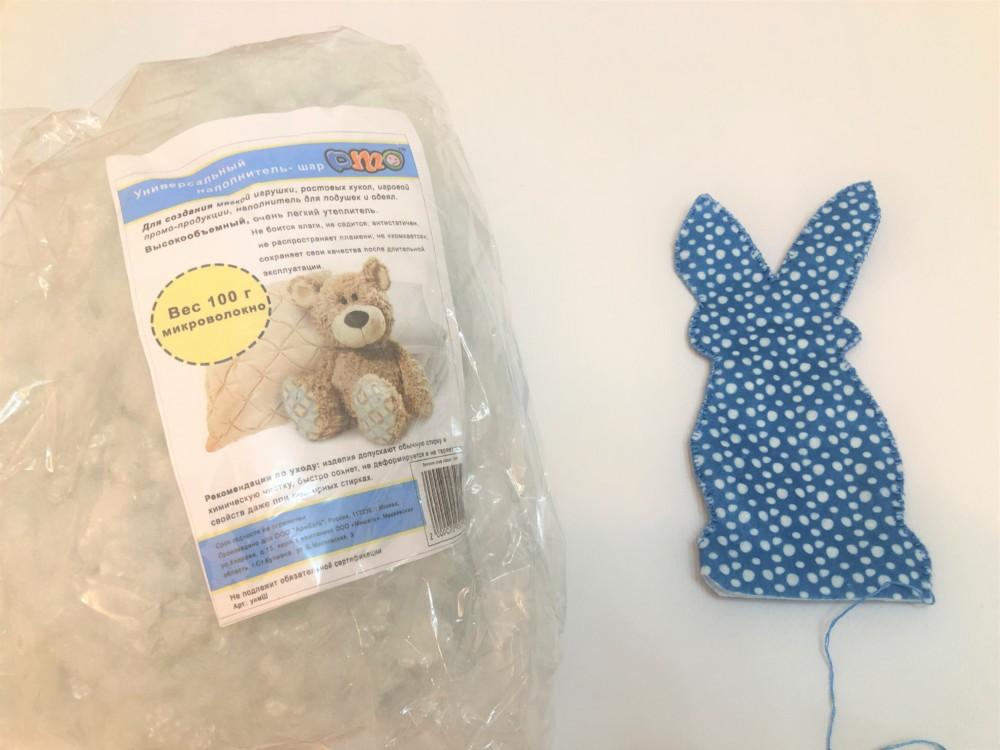 Сшиваем кролика из фетра на лицевой стороне