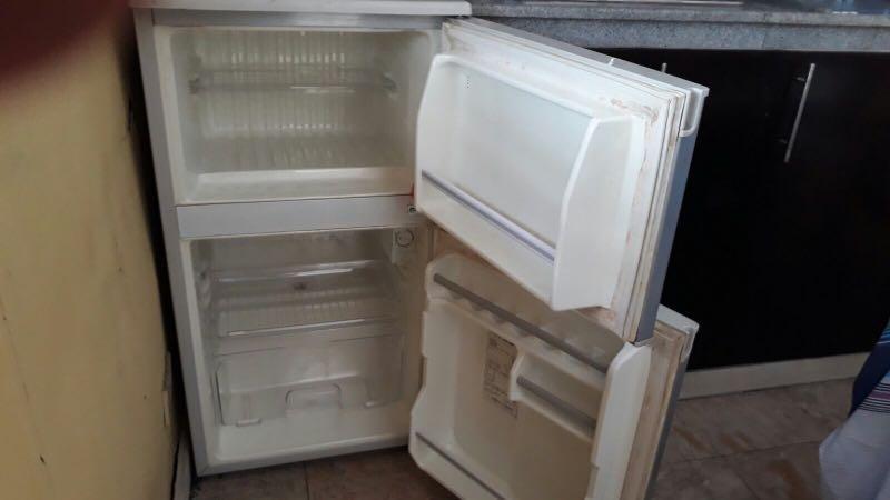 Многолетний запах в холодильнике