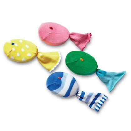 Магнитная игра из игрушек из носков своими руками