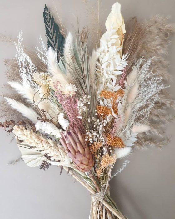 Букеты из сухоцветов в интерьере