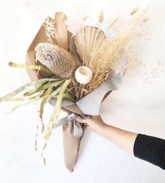 Букет из сухих цветов в интерьере