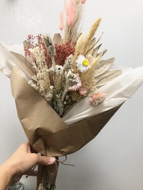 Сухие цветы в букете