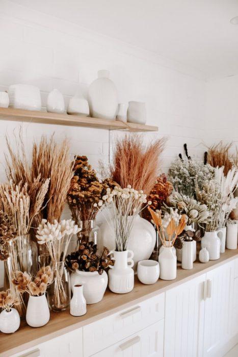 Композиции из сухоцветов в доме