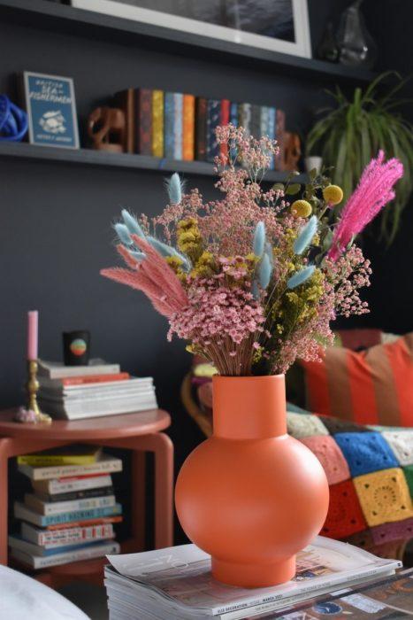 Сухоцветы в интерьере кабинета