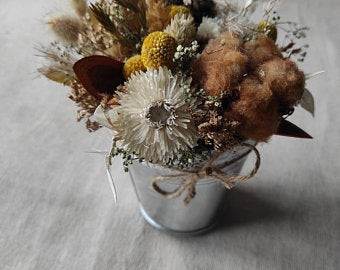 Декоративное ведро с сухоцветами