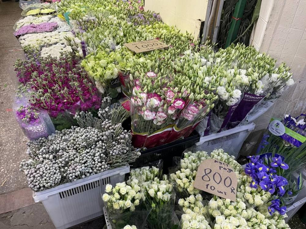 Цветы на рижском рынке в Москве